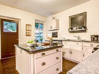 Photo 16: 32 Austin Avenue in Toronto: South Riverdale House (2-Storey) for sale (Toronto E01)  : MLS®# E3048766
