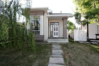 Photo 2: 18 Martinridge Way NE in Calgary: Martindale Detached for sale : MLS®# A1119098