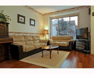Photo 3: 36 SHAWBROOKE Court SW in CALGARY: Shawnessy Townhouse for sale (Calgary)  : MLS®# C3401716