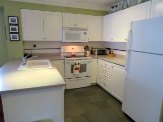 """Photo 4: 104 2815 YEW Street in Vancouver: Kitsilano Condo for sale in """"2815 YEW STREET"""" (Vancouver West)  : MLS®# R2136894"""