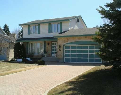 Main Photo: 31 KILMARNOCK Bay in WINNIPEG: St Vital Single Family Detached for sale (South East Winnipeg)  : MLS®# 2705907