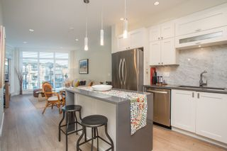 """Photo 6: 415 14855 THRIFT Avenue: White Rock Condo for sale in """"The Royce"""" (South Surrey White Rock)  : MLS®# R2538329"""