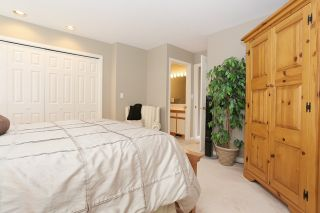 Photo 14: 6048 189A Street in Surrey: Cloverdale BC House for sale (Cloverdale)  : MLS®# R2054243