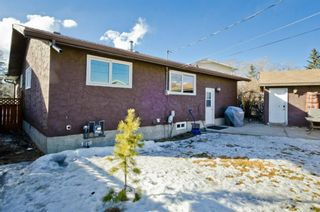 Photo 3: 6132 Penworth Road SE in Calgary: Penbrooke Meadows Detached for sale : MLS®# A1078757