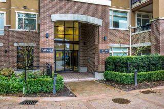 Photo 2: 302 15360 20 Avenue in Surrey: King George Corridor Condo for sale (South Surrey White Rock)  : MLS®# R2133201
