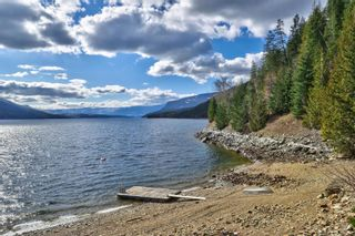 Photo 11: 5846 Sunnybrae-Canoe Point Road, in Tappen: House for sale : MLS®# 10240711