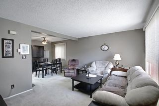 Photo 5: 22 3809 45 Street SW in Calgary: Glenbrook Row/Townhouse for sale : MLS®# A1090876