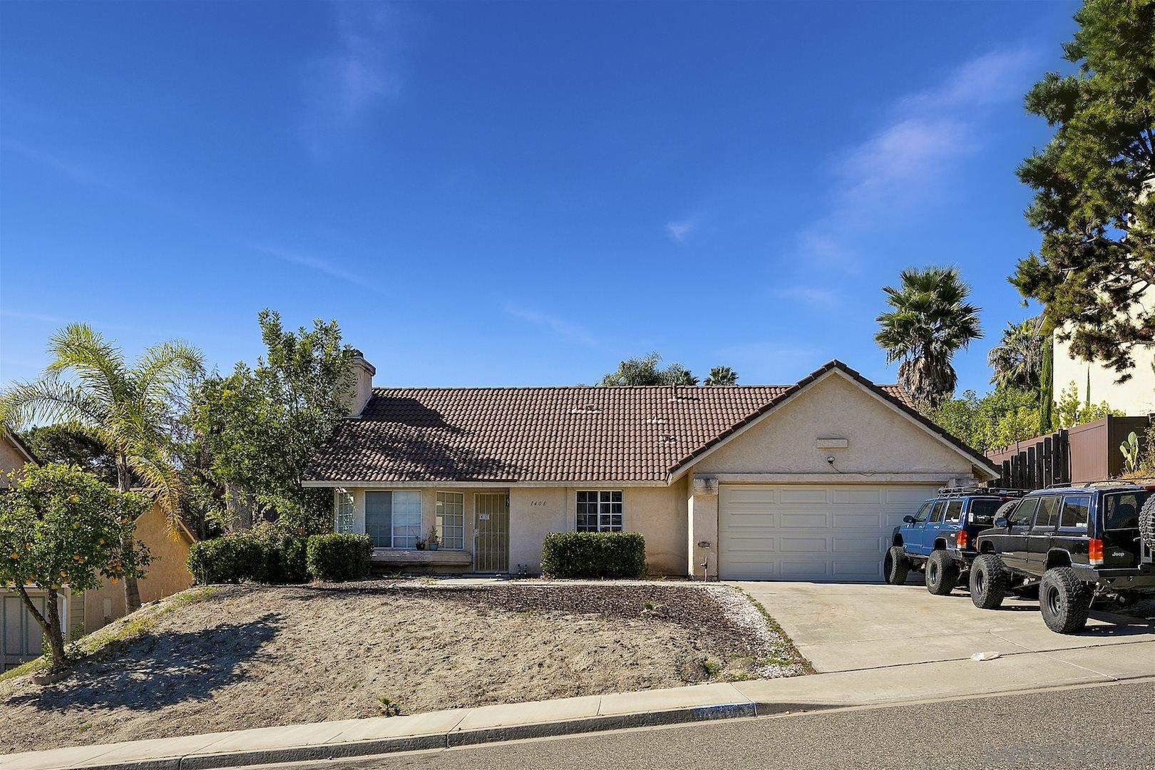 Main Photo: OCEANSIDE House for sale : 3 bedrooms : 1406 Crestview Dr