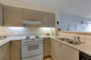 """Photo 5: 601 1277 NELSON Street in Vancouver: West End VW Condo for sale in """"The Jetson"""" (Vancouver West)  : MLS®# R2221367"""