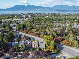 """Photo 5: 3635 W 14TH Avenue in Vancouver: Point Grey House for sale in """"POINT GREY"""" (Vancouver West)  : MLS®# R2615052"""