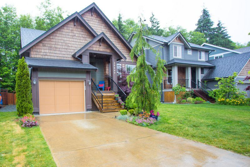FEATURED LISTING: 39049 KINGFISHER Road Squamish
