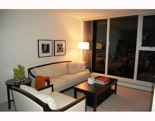 """Photo 2: 3605 1009 EXPO Boulevard in Vancouver: Downtown VW Condo for sale in """"LANDMARK 33"""" (Vancouver West)  : MLS®# V684446"""
