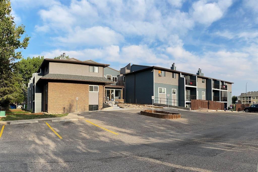 Main Photo: 206 3910 23 Avenue S: Lethbridge Apartment for sale : MLS®# A1142174