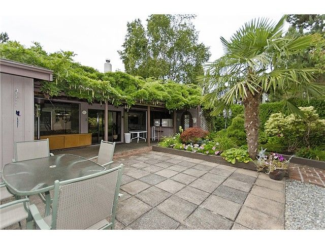 "Main Photo: 1190 JACKSON Way in Tsawwassen: Tsawwassen East House for sale in ""BEACH GROVE"" : MLS®# V929378"