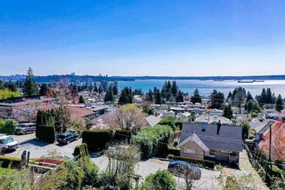 Photo 3: 2463 OTTAWA Avenue in West Vancouver: Dundarave House for sale : MLS®# R2613956