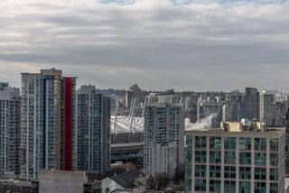 """Photo 18: 3208 128 W CORDOVA Street in Vancouver: Downtown VW Condo for sale in """"Woodwards (W43)"""" (Vancouver West)  : MLS®# R2538391"""