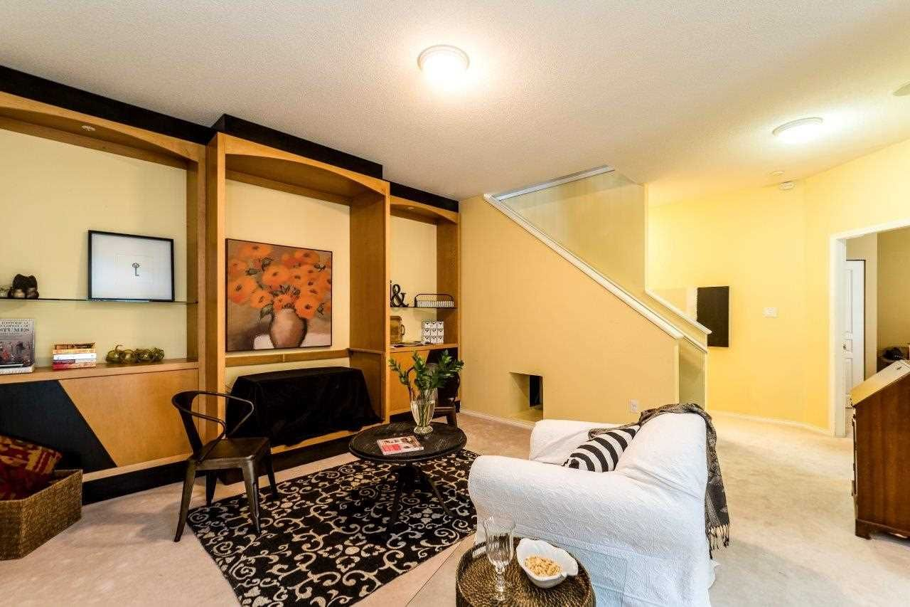 """Photo 14: Photos: 201 1465 PARKWAY Boulevard in Coquitlam: Westwood Plateau Townhouse for sale in """"SILVER OAK"""" : MLS®# R2249659"""