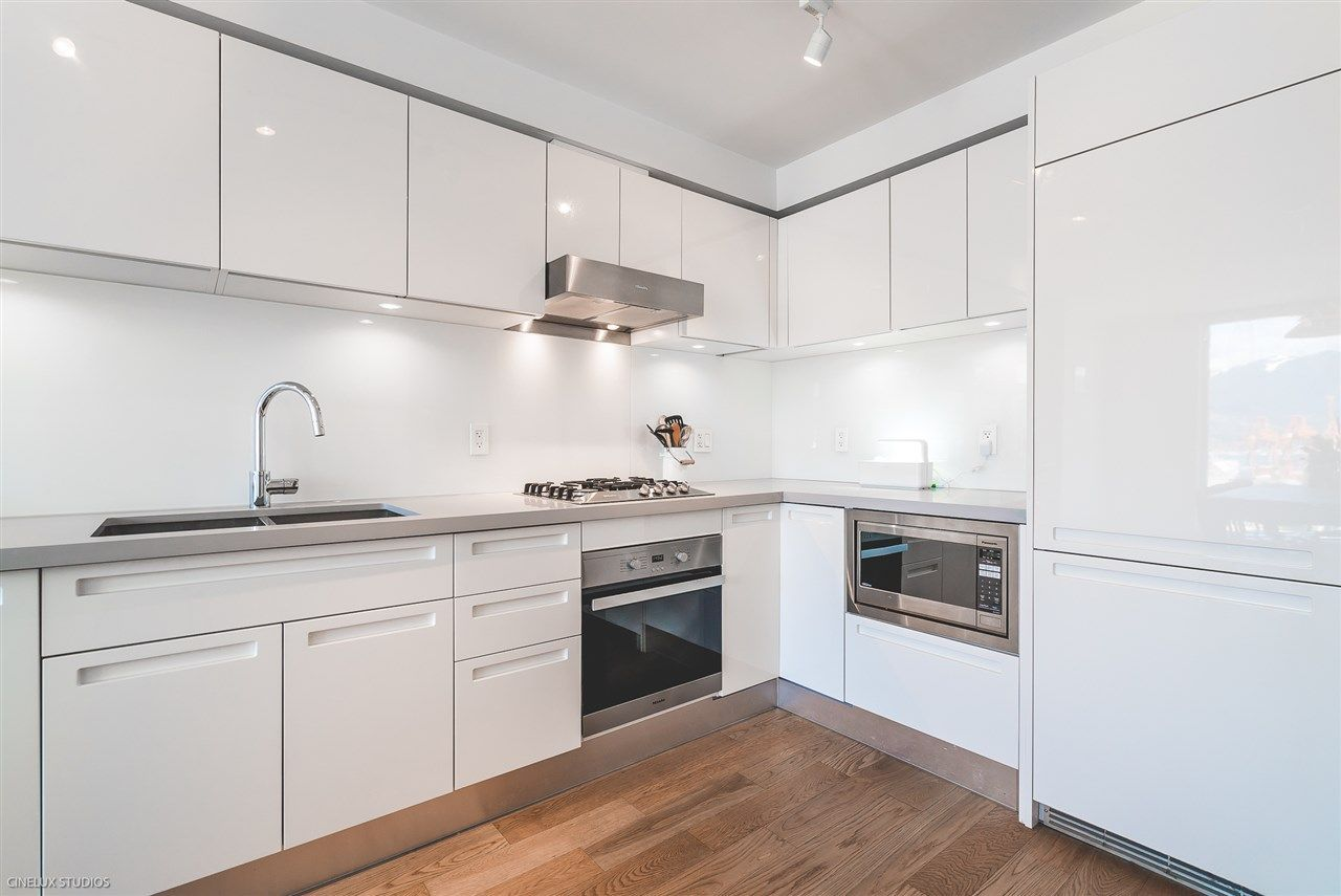 """Main Photo: 1806 188 KEEFER Street in Vancouver: Downtown VE Condo for sale in """"188 KEEFER"""" (Vancouver East)  : MLS®# R2257646"""