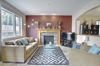 Photo 5: 34 Crestmont Drive SW in Calgary: Crestmont Detached for sale : MLS®# A1119055