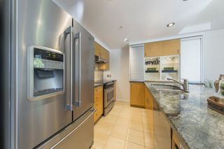 "Photo 6: TH103 1288 MARINASIDE Crescent in Vancouver: Yaletown Townhouse for sale in ""Crestmark"" (Vancouver West)  : MLS®# R2281597"