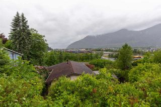 """Photo 14: 38083 HARBOUR VIEW Place in Squamish: Hospital Hill House for sale in """"HOSPITAL HILL"""" : MLS®# R2587611"""