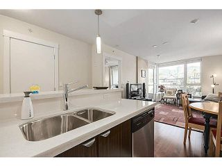 """Photo 6: 606 160 W 3RD Street in North Vancouver: Lower Lonsdale Condo for sale in """"ENVY"""" : MLS®# V1124166"""