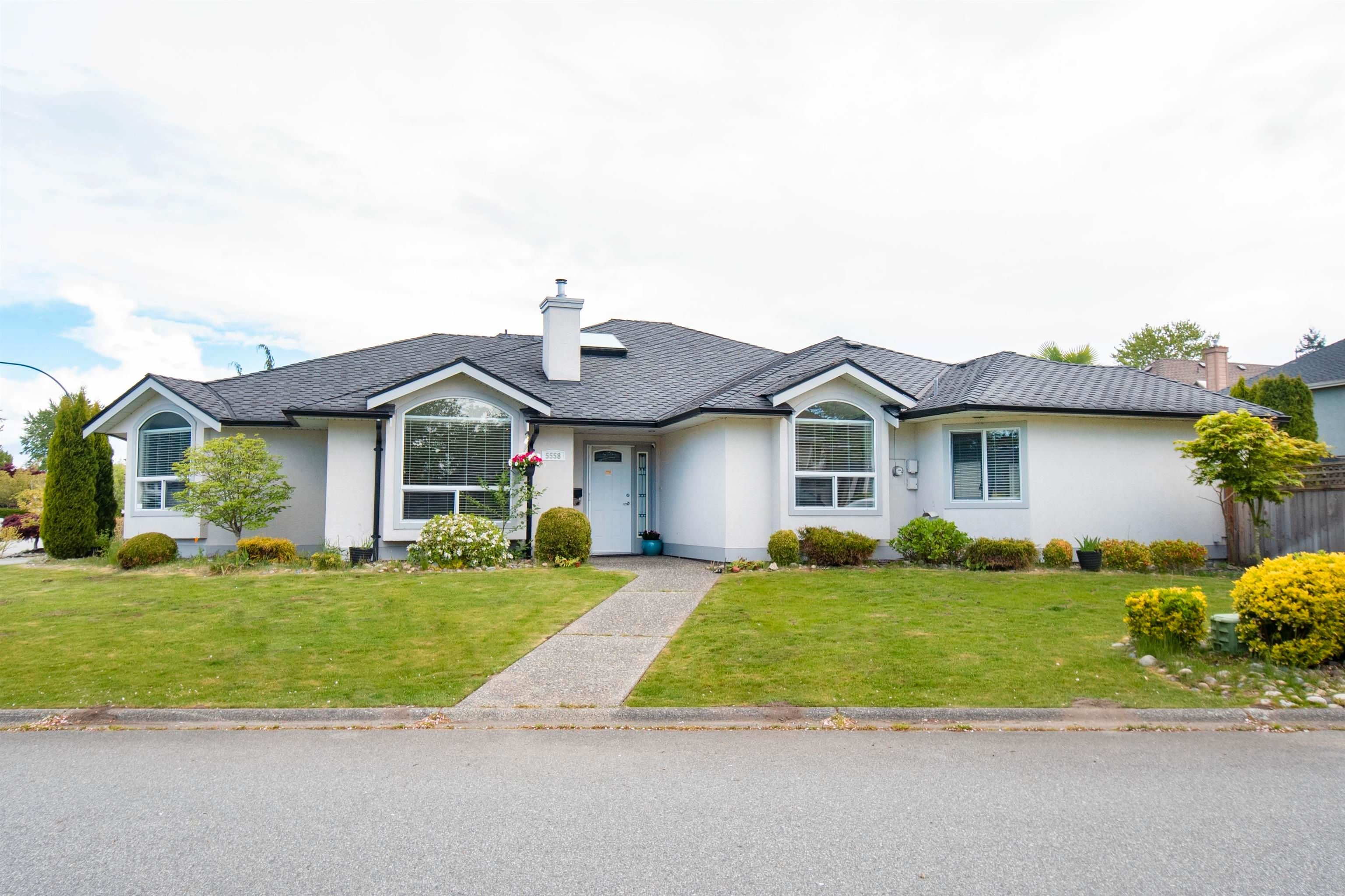 Main Photo: 5558 CUTTER Road in Delta: Neilsen Grove House for sale (Ladner)  : MLS®# R2623035