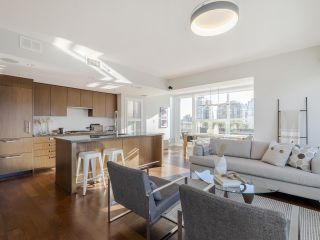 """Photo 4: 2001 1055 RICHARDS Street in Vancouver: Downtown VW Condo for sale in """"Donovan"""" (Vancouver West)  : MLS®# R2555936"""