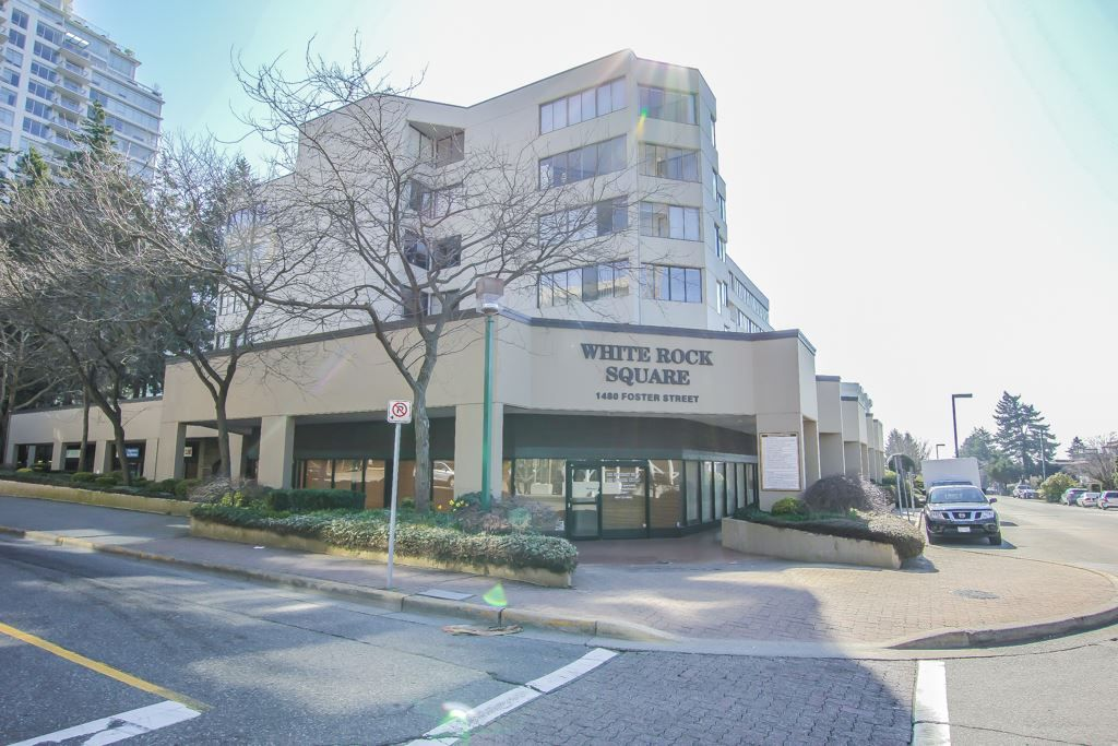 Main Photo: 104 1480 FOSTER Street: White Rock Condo for sale (South Surrey White Rock)  : MLS®# R2446648