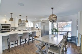 Photo 9: 6439 Laurentian Way SW in Calgary: North Glenmore Park Detached for sale : MLS®# A1071961