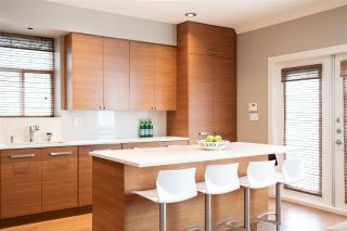 Photo 5: 241 W 22ND AVENUE in Vancouver: Cambie House for sale (Vancouver West)  : MLS®# R2387254