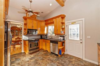 """Photo 5: 7466 LARK Street in Mission: Mission BC House for sale in """"Superstore/ Easy Lougheed Hwy Access"""" : MLS®# R2351956"""