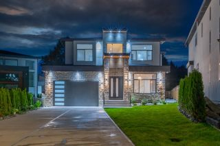 Main Photo: 20562 71 Avenue in Langley: Willoughby Heights House for sale : MLS®# R2613820