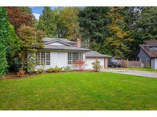 Photo 2: 4976 198 Street in Langley: Langley City House for sale : MLS®# R2506557