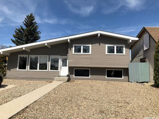 Photo 2: 1014 Ominica Street East in Moose Jaw: Hillcrest MJ Residential for sale : MLS®# SK852288
