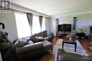 Photo 5: 114 SMITHFIELD CRESCENT in Kingston: House for sale : MLS®# 1263977