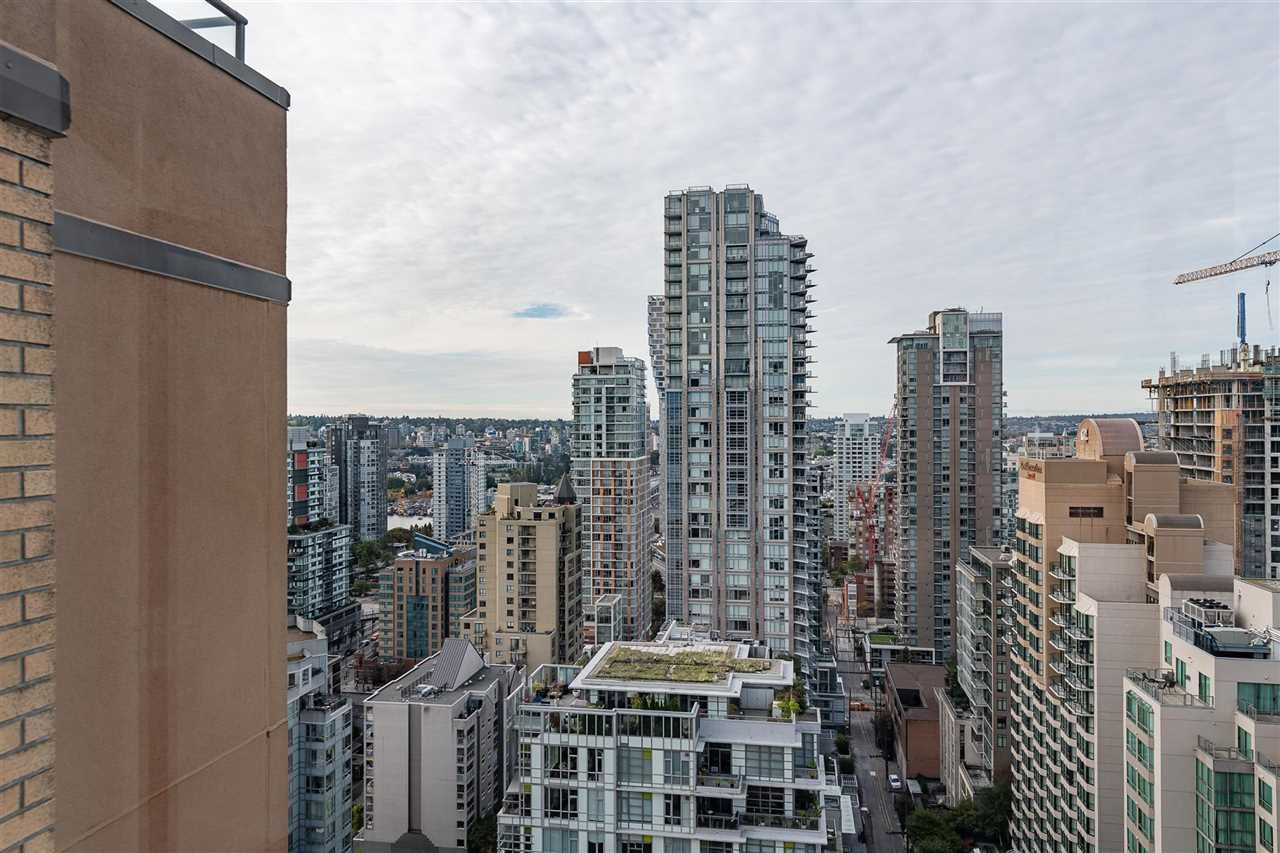 """Photo 19: Photos: PH4 1189 HOWE Street in Vancouver: Downtown VW Condo for sale in """"The Genesis"""" (Vancouver West)  : MLS®# R2513563"""