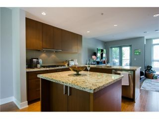 Photo 1: 305 1155 THE HIGH Street in Coquitlam: Home for sale : MLS®# V1123644