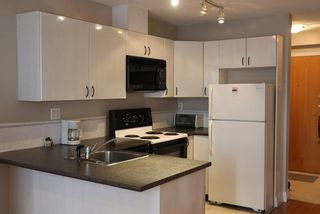 "Photo 4: 606 939 HOMER Street in Vancouver: Yaletown Condo for sale in ""PINNACLE"" (Vancouver West)  : MLS®# R2255765"