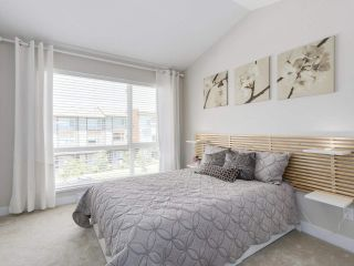 """Photo 12: 222 2228 162 Street in Surrey: Grandview Surrey Townhouse for sale in """"BREEZE"""" (South Surrey White Rock)  : MLS®# R2181833"""