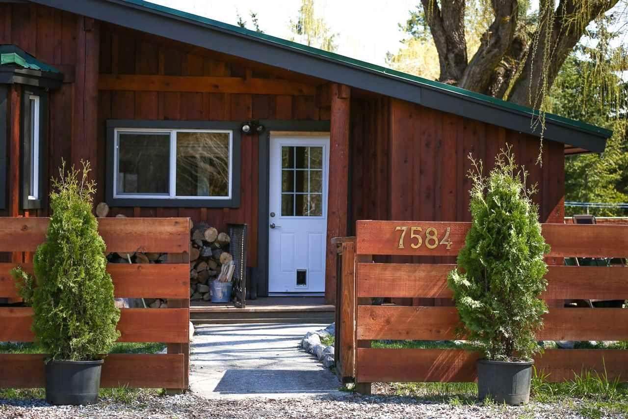 Main Photo: 7584 TAYLOR Road: Pemberton House for sale : MLS®# R2159009