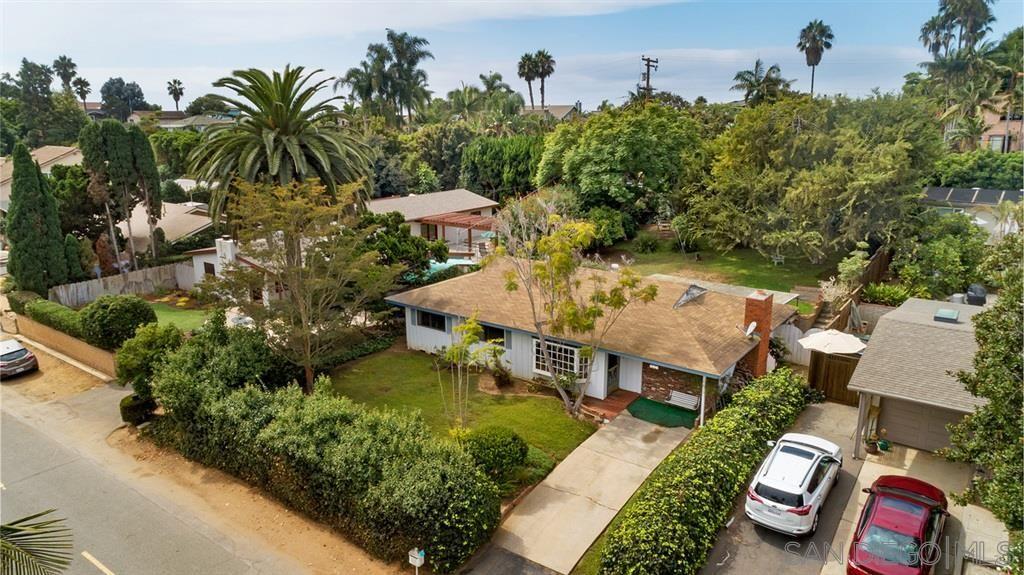 Main Photo: ENCINITAS House for sale : 3 bedrooms : 802 San Dieguito Dr