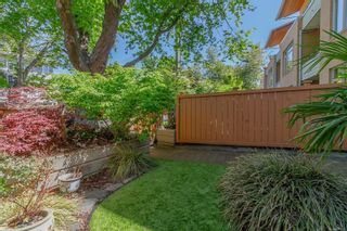Photo 12: 101 1035 Sutlej St in : Vi Fairfield West Row/Townhouse for sale (Victoria)  : MLS®# 875395