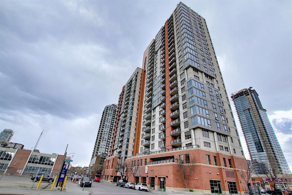 Main Photo: 2115 1053 10 Street SW in Calgary: Beltline Apartment for sale : MLS®# A1098474