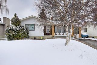 Photo 2: 5916 Dalcastle Drive NW in Calgary: Dalhousie Detached for sale : MLS®# A1085841