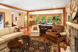 Photo 4: 1300 Clayton Rd in NORTH SAANICH: NS Lands End House for sale (North Saanich)  : MLS®# 820834