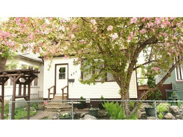 Main Photo: 495 Camden Place in Winnipeg: Residential for sale