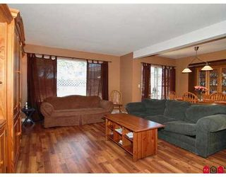 "Photo 4: 116 9177 154TH Street in Surrey: Fleetwood Tynehead Townhouse for sale in ""Chantilly Lane"" : MLS®# F2716670"