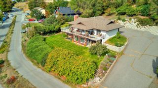 Photo 4: 5186 Robinson Place, in Peachland: House for sale : MLS®# 10240845