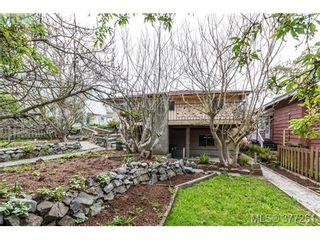 Photo 19: 2734 Roseberry Ave in VICTORIA: Vi Oaklands House for sale (Victoria)  : MLS®# 757376